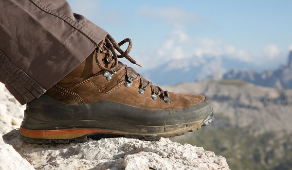The Top 5 Men's Hiking Boots 2015! - Coolhikinggear.com
