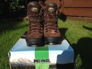 Meindl Vakuum GTX Hiking Boots for Men Out of the Box